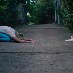11 Health Benefits of Balasana | बालासन योग दूर करे पेट और कमर की चर्बी
